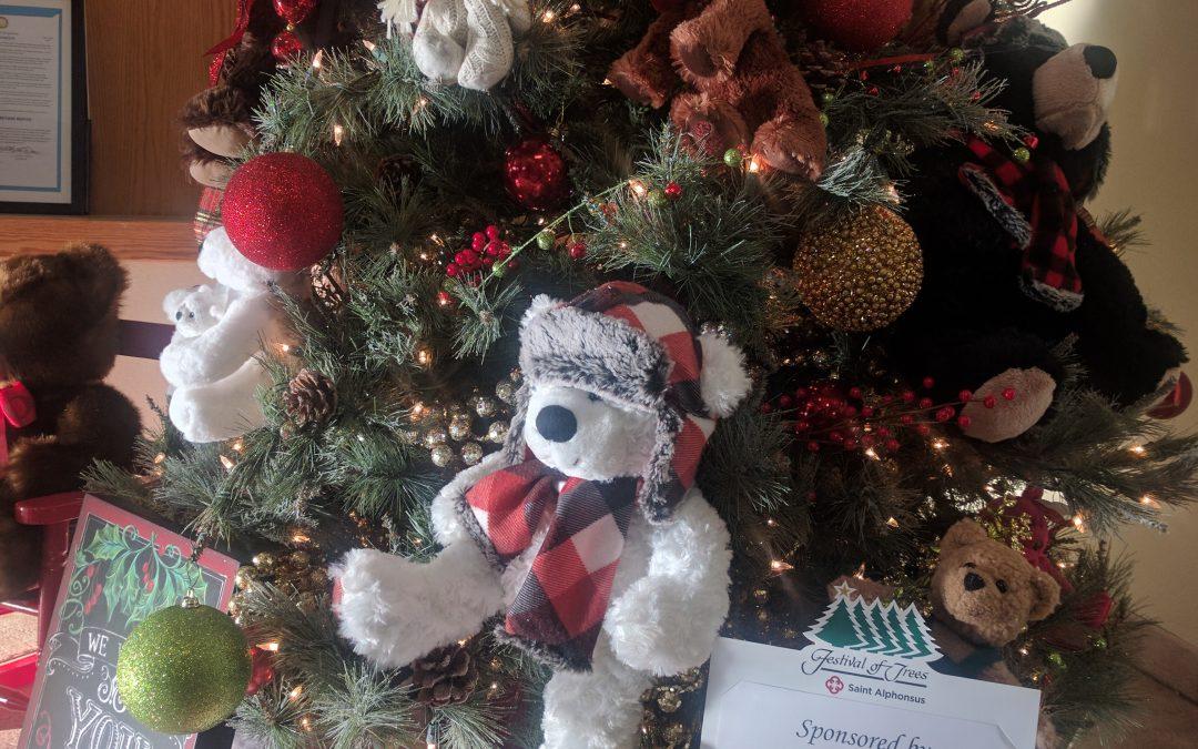 Joe & Jeanie Huff donate Christmas Tree to the Moseley Center!